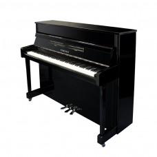 yamaha-b2-schwarz-chrom-silber-klavier