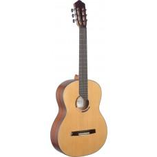 Eresma Klassikgitarre mit massiver Zederndecke