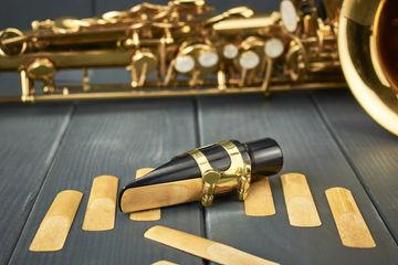 Warum ist das Saxophon ein Holzblasinstrument?